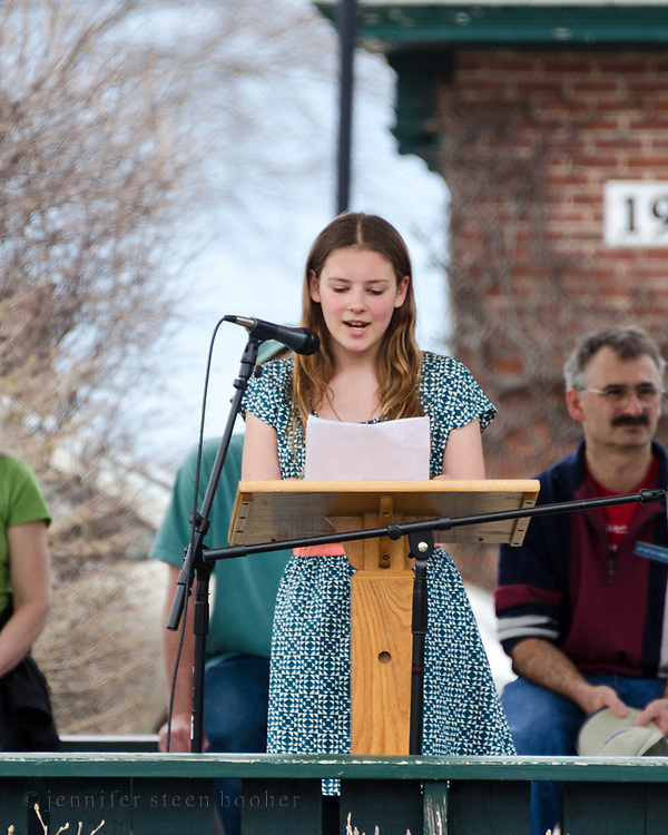Bar Harbor, USA. 29 April, 2017. Faye McDonnell addresses the crowd at the Downeast Climate March.