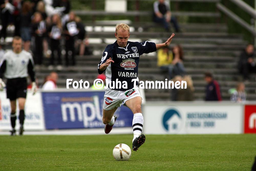 11.06.2007, Hietalahti, Vaasa, Finland..Veikkausliiga 2007 - Finnish League 2007.Vaasan Palloseura - AC Oulu.Antti Pehkonen - AC Oulu.©Juha Tamminen.....ARK:k