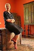 08.07.2006 Podkowa Lesna nz Jadwiga Staniszkis w swoim domu .Fot Piotr Gesicki Professor Jadwiga Staniszkis polish sociologist in her home in Podkowa Lesna town photo  Piotr Gesicki