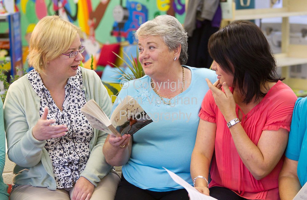 20/8/2010.From left Anne Marie Gleeson, Carmel Ryan and Edel Bolger pictured at the Book Club at  the library in Graiguenamanagh County Kilkenny..Photograph Dylan Vaughan.