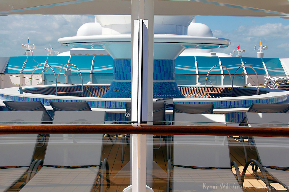 Disney Fantasy Cruiseship