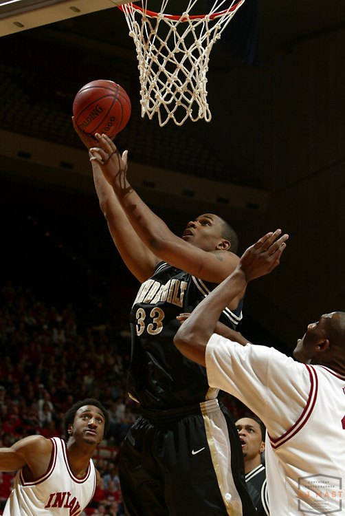 Vanderbilt's Julian Terrell (33) as Indiana lost 67-60 to Vanderbilt in the opening round of the 2005 NIT at Assembly Hall in Bloomington, Ind., Wednesday, March 15, 2005.  (Mandatory Credit: AJ Mast/Ronin Images)......***LOW RES FPO ONLY, HIGH RES AVALIBLE OFFLINE***
