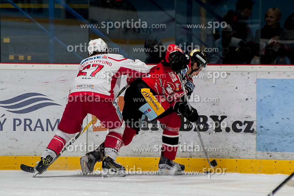13.01.2017, Ice Rink, Znojmo, CZE, EBEL, HC Orli Znojmo vs EC KAC, 43. Runde, im Bild v.l. Thomas Hundertpfund (EC KAC) Jiri Beroun (HC Orli Znojmo) // during the Erste Bank Icehockey League 43th round match between HC Orli Znojmo and EC KAC at the Ice Rink in Znojmo, Czech Republic on 2017/01/13. EXPA Pictures © 2017, PhotoCredit: EXPA/ Rostislav Pfeffer
