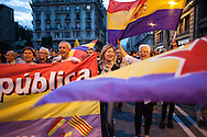 People march to the city council of Barcelona to claim a referendum on republic. / More than 5 thousands of people in Barcelona city took the Catalonia Square on Monday evening to demand a referendum on monarchy or republic, after King Juan Carlos announced his plans to abdicate and hand over power to his son Felipe. In Catalonia many people see the king as part of Spain's problems of the economic crisis. As the political analysts have linked the abdication to the issue of Catalonia's Independence, people on Barcelona's streets have claimed the independence supported by some political parties as CUP, ERC, ICV and others. 2th June 2014. Barcelona city center. Eva Parey/4SEE.