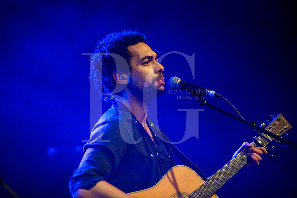 Ben Earle of The Shires perform at O2 ABC Glasgow on December 7, 2016 in Glasgow, Scotland. (Photo by Ross Gilmore)
