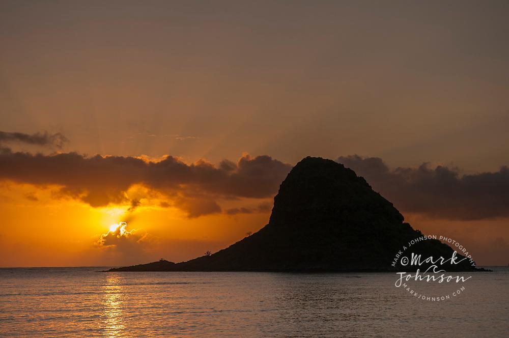 Sunrise at Mokoli'i Island (Chinaman's Hat), Kualoa, Kaneohe Bay, Oahu, Hawaii