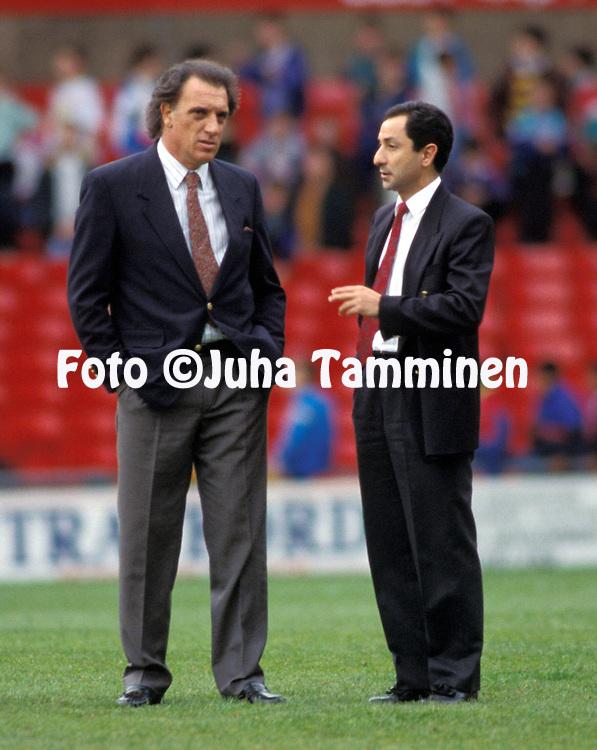 "23.05.1991, Old Trafford, Manchester, England..Coach Alfio ""Coco"" Basile of Argentina with Osvaldo Ardiles.©JUHA TAMMINEN"