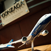 Jack Jones, VP and general manager of Boeing South Carolina, spoke to Gonzaga business and engineering students and faculty. Jones presented a memento with two scale models of the Boeing 787-9 Dreamliner to Gonzaga in recognition of its historic connection with Boeing. (Photo by Gonzaga University)