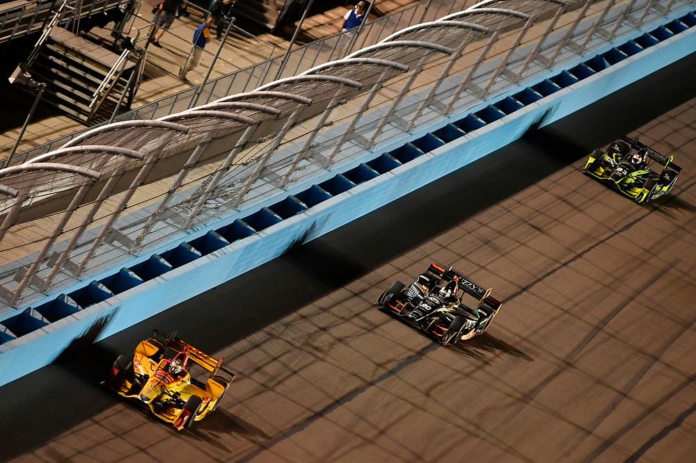 Verizon IndyCar Series<br /> Desert Diamond West Valley Phoenix Grand Prix<br /> Phoenix Raceway, Avondale, AZ USA<br /> Saturday 29 April 2017<br /> Ryan Hunter-Reay, Andretti Autosport Honda, Ed Carpenter, Ed Carpenter Racing Chevrolet<br /> World Copyright: Scott R LePage<br /> LAT Images<br /> ref: Digital Image lepage-170429-phx-4256