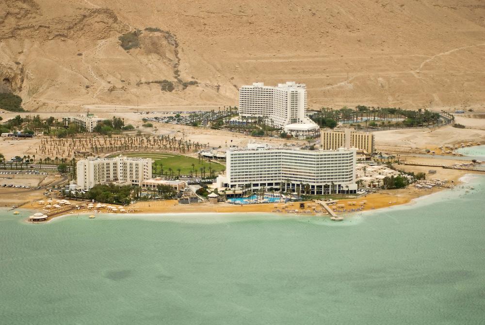Complexe d'hôtels d'Ein Bokek, bassin sud de la Mer Morte. Israël, mai 2011