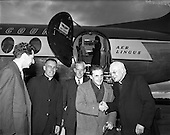 1957 – 06/06 Sir John Barbirolli at Dublin Airport