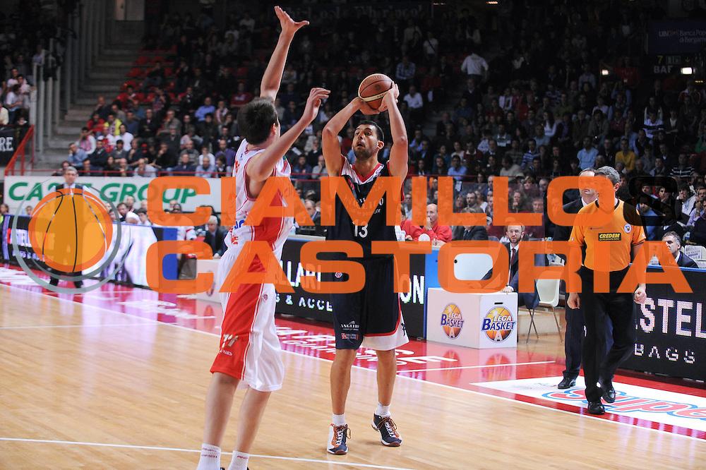 DESCRIZIONE : Varese Lega A 2009-10 Cimberio Varese Angelico Biella<br /> GIOCATORE : Luca Garri<br /> SQUADRA : Angelico Biella<br /> EVENTO : Campionato Lega A 2009-2010<br /> GARA : Cimberio Varese Angelico Biella<br /> DATA : 25/10/2009<br /> CATEGORIA : tiro<br /> SPORT : Pallacanestro<br /> AUTORE : Agenzia Ciamillo-Castoria/A.Dealberto