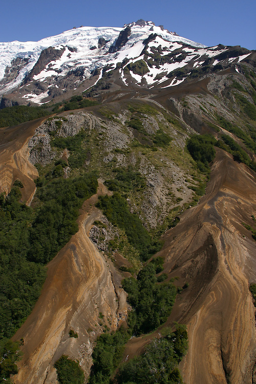 Aerials near the Yulton Lake area, Chile, Feb. 6, 2004. Daniel Beltra/Greenpeace.