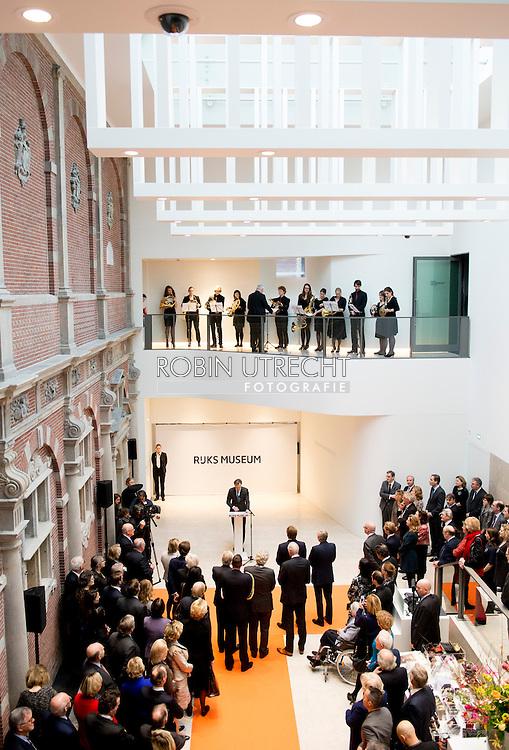 12-2-2015 AMSTERDAM - de Koning , Willem Alexander opent op donderdag 12 februari 2015 in het Rijksmuseum in Amsterdam de overzichtstentoonstelling Late Rembrandt. COPYRIGHT ROBIN UTRECHT<br /> 12-2-2015 AMSTERDAM - King Willem Alexander opens on Thursday, February 12th, 2015 at the Rijksmuseum in Amsterdam, the exhibition Late Rembrandt. Self-Portrait with Two Circles is an oil on canvas painting by the Dutch artist Rembrandt, painted c. 1659&ndash;60. with wim pijbes Van de vele portretten die Rembrandt heeft geschilderd, ge&euml;tst en getekend behoren die van Jan Six (1618-1700) tot de bekendste  COPYRIGHT ROBIN UTRECHT