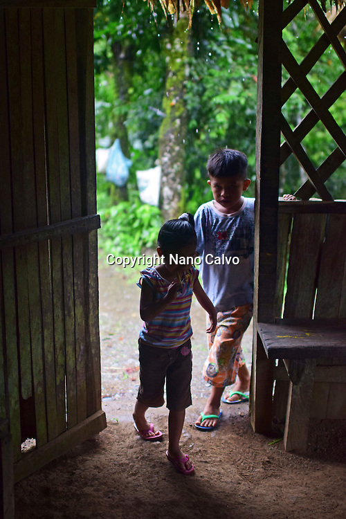 Dereck and Karen enter cottage to cover from the rain.<br />