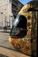 """France, Languedoc Roussillon, Hérault Montpellier, quartier Corum, peinture murale, fresque, """"Le Carnaval des animaux"""" 2010, artiste: Betka Siruckova, le tramway"""