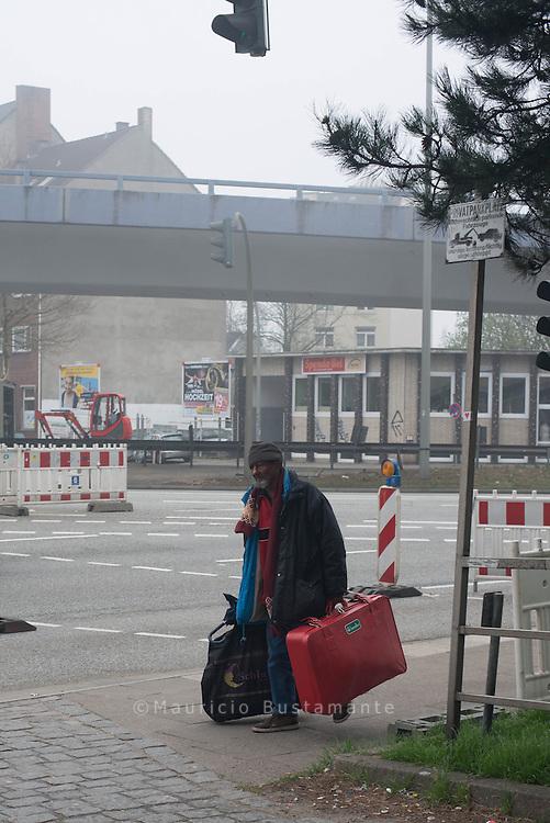"""Winternotprogramm in der Spaldingstraße 20 Jahre hat Negga Eyob als Erzieher in Hamburg gearbeitet. Vor 14 Jahren bekam er die Diagnose Krebs. Unheilbar. """"Da ist mein Leben entgleist."""""""