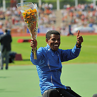 Haile Gebrselassie during the presentation round of FBK games 2008 in Hengelo, before running the 10.000 meters and becoming 2nd with a time of 26:51.20.