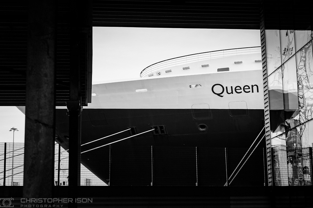 Cunard's Queen Elizabeth in Southampton.<br /> Picture date: Tuesday January 3, 2017.<br /> Photograph by Christopher Ison &copy;<br /> 07544044177<br /> chris@christopherison.com<br /> www.christopherison.com