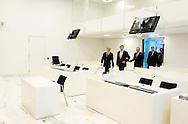 19-09-2013 AMSTERDAM - Koning Willem-Alexander opent samen met Herman van der Meer, president van het gerechtshof Amsterdam, het nieuwe Paleis van Justitie op het IJdok. COPYRIGHT ROBIN UTRECHT