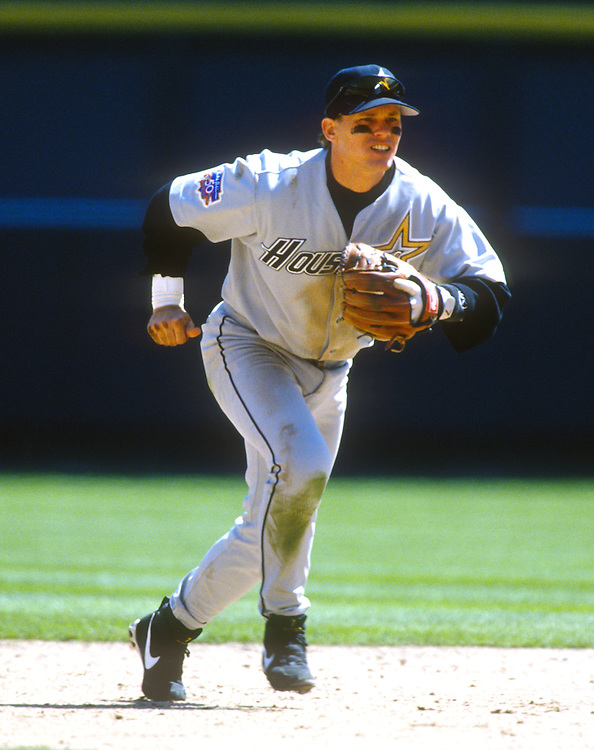 ST. LOUIS - UNDATED:  Craig Biggio of the Houston Astros fields during an MLB game versus the St. Lois Cardinals at Busch Stadium in St. Louis, Missouri.  Biggio played for the Astros from 1988-2007.  (Photo by Ron Vesely)  Subject:  Craig Biggio