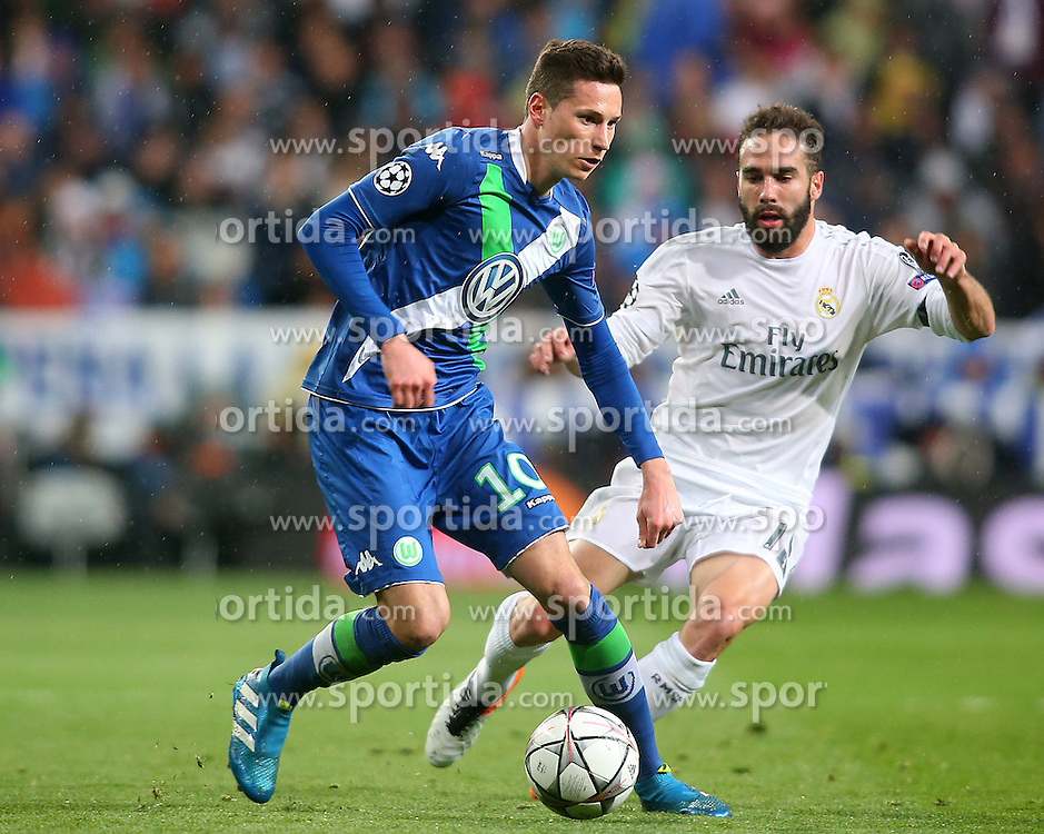 12.04.2016, Estadio Santiago Bernabeu, Madrid, ESP, UEFA CL, Real Madrid vs VfL Wolfsburg, Viertelfinale, Rueckspiel, im Bild Real Madrid's Daniel Carvajal (r) and WfL Wolfsburg's Julian Draxler // during the UEFA Champions League Quaterfinal, 2nd Leg match between Real Madrid and VfL Wolfsburg at the Estadio Santiago Bernabeu in Madrid, Spain on 2016/04/12. EXPA Pictures &copy; 2016, PhotoCredit: EXPA/ Alterphotos/ Acero<br /> <br /> *****ATTENTION - OUT of ESP, SUI*****