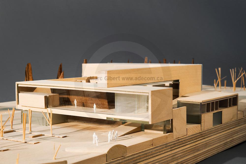 Architectural model study photography exibit at monopoli for Maquette de maison