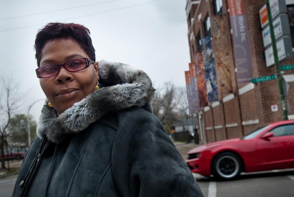Kytonia Whittacker, 42, hemmafru, Chicago:.- Obama. Jag tycker att det han gjort med sjukvårdsförsäkrinegen var viktigt. Ekonomin kommer att bli bättre, särskilt om presidenten får fortsätta.