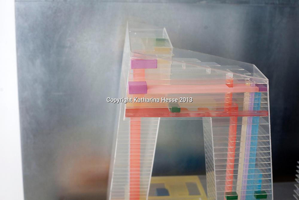 BEIJING, 5. FEB. 2013 : ein rendering vom CCTV Tower in Scheerens Buero.
