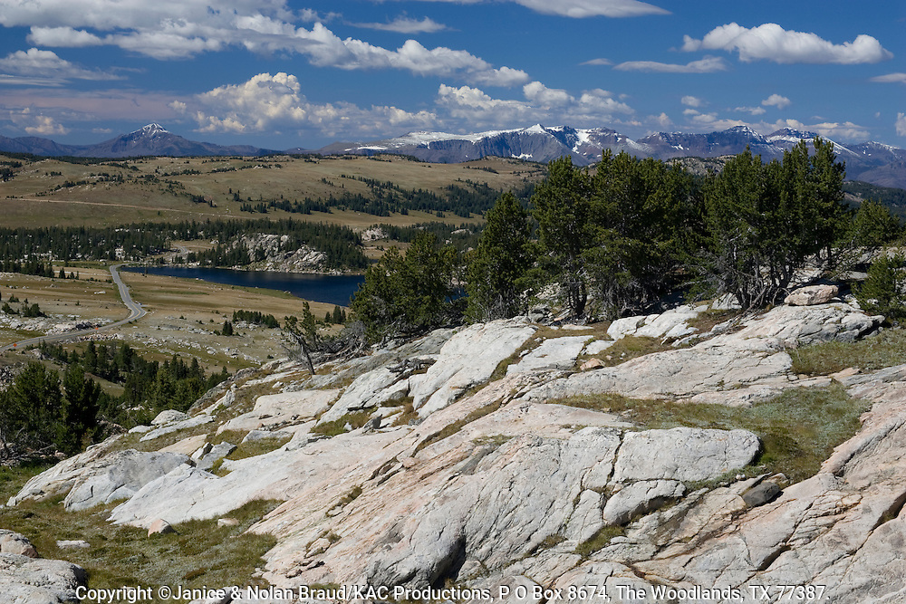 Mountain View on the scenic Beartooth Highway from Wyoming into Montana