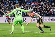 ROTTERDAM - Feyenoord - SC Cambuur , Voetbal , Seizoen 2015/2016 , Eredivisie , Feijenoord Stadion De Kuip , 06-03-2016 , Speler van Feyenoord Dirk Kuyt (r) scoort de 2-1 door de bal langs  SC Cambuur keeper Leonard Nienhuis (l) te schieten