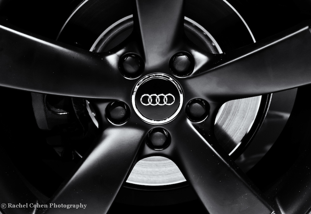 &quot; Audi Wheel&quot; 2 mono<br />