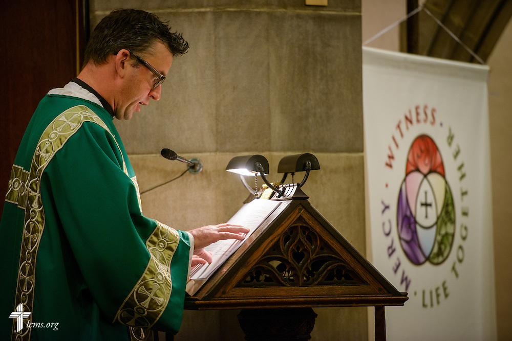 The Rev. Eric R. Andræ reads during worship at First Trinity Evangelical–Lutheran Church on Sunday, Nov. 20, 2016, in Pittsburgh. LCMS Communications/Erik M. Lunsford