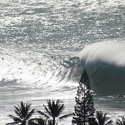 big wave surfing- waves- Waimea bay-Oahu-Hawaii-surf