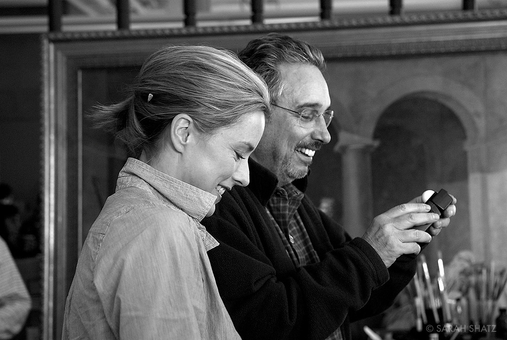 "Tea Leoni, Fred Murphy on the set of ""Ghost Town"" (Dir: David Koepp, 2008)"