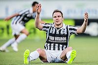 HELMOND - Helmond Sport - Achilles 29 , Lavans stadion , Voetbal , Jupiler League , 01-05-2015 , Achilles 29 speler Freek Thoone baalt
