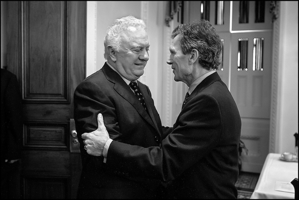 Sen. Tom Daschle meets Eduard Schevernadze at the Capitol.  10/4/01..©PF BENTLEY/PFPIX.com