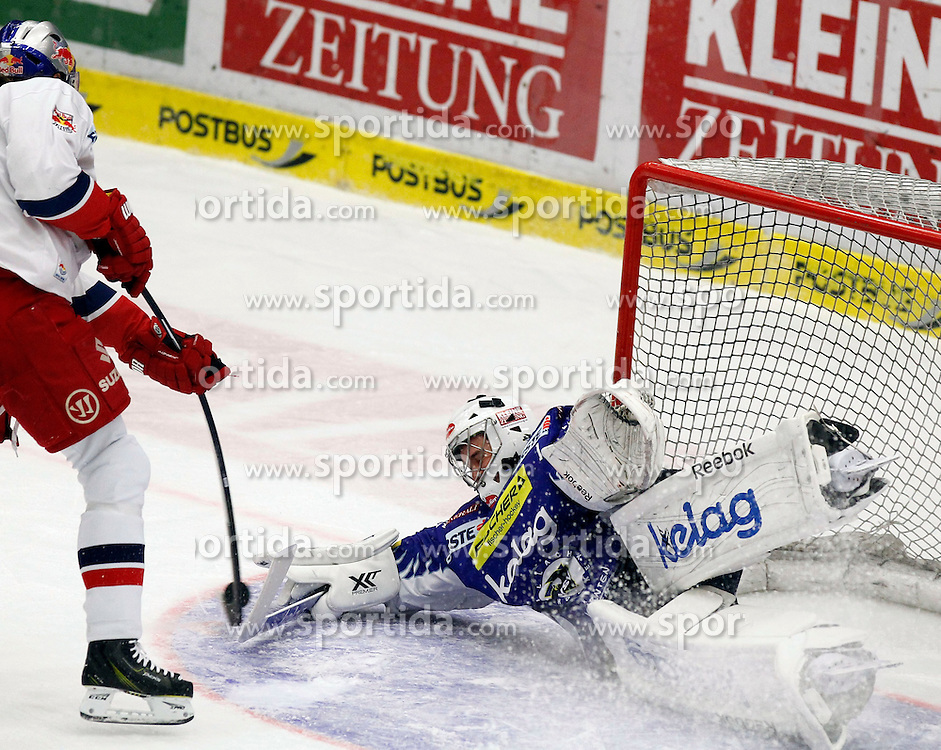 17.02.2015, Stadthalle, Villach, AUT, EBEL, EC VSV vs EC Red Bull Salzburg, Plazierungsrunde, im Bild v.l. Thomas Raffl (EC RBS) und Jean Philippe Lamoureux (VSV) // during the Erste Bank Icehockey League placement round match between EC VSV vs EC Red Bull Salzburg at the City Hall in Villach, Austria on 2015/02/17, EXPA Pictures © 2015, PhotoCredit: EXPA/ Oskar Hoeher