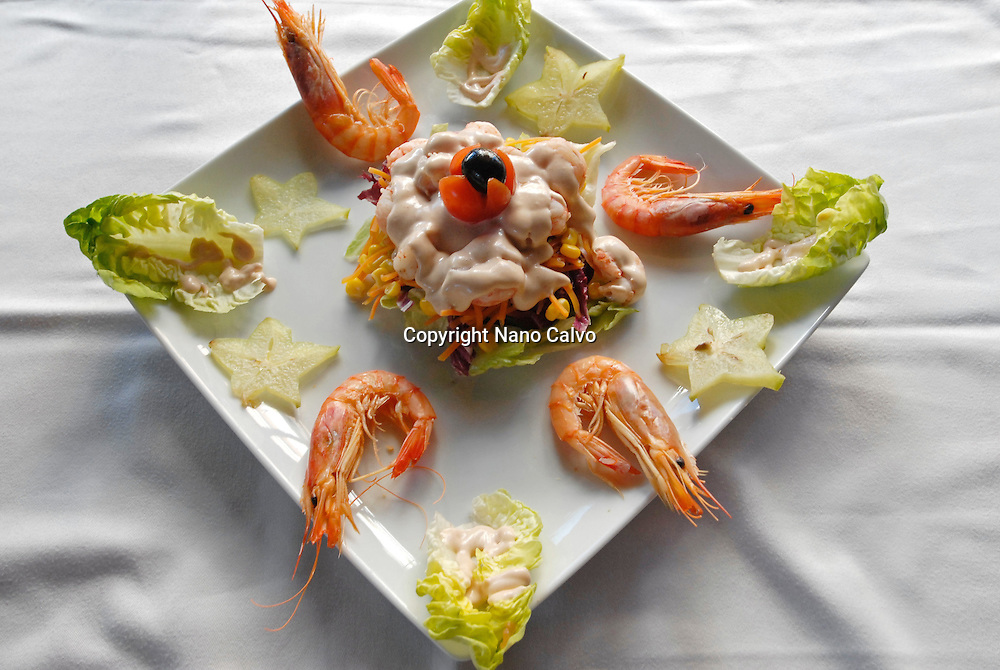 Salad by Nano Calvo, Salad with lettuce, shrimps, pineapple and pink sauce