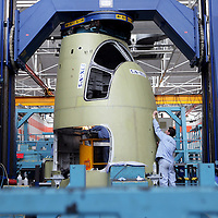 Manufacturing of the Dassault Falcon 7X  nose section. Argenteuil, 06 Janvier 2005     ©ÊEtienne de Malglaive / GAMMA