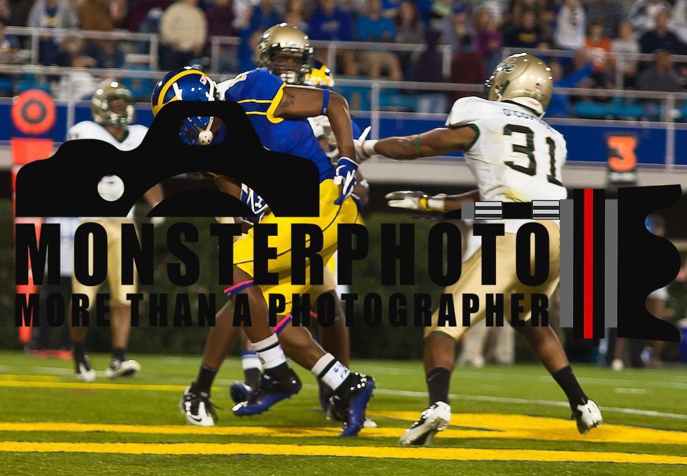 Delaware Wide receiver Nihja White #19 scores on a 11 yard pass from Tim Donnelly in the first quarter...Delaware defeated William & Mary 21- 0 in front of 17, 808 fans at Delaware Stadium on Saturday Oct. 08, 2011 in Newark DE...(Monsterphoto/Saquan Stimpson)
