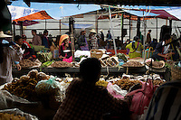 The daily market in Inle Lake