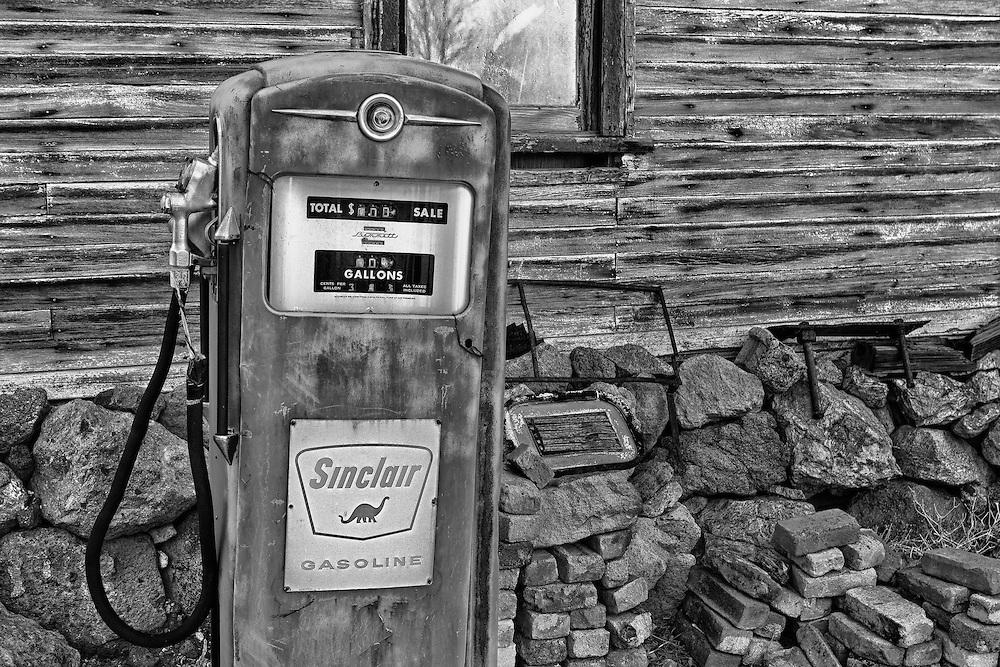 Sinclair Gasoline Pump - Eldorado Canyon - Nelson NV - HDR -  Black & White