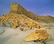 0312-1024 ~ Copyright:  George H. H. Huey ~ Grand Staircase-Escalante National Monument, Utah.