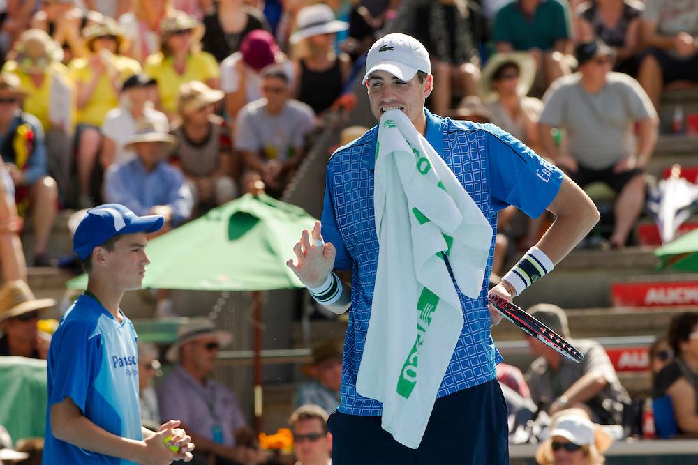 USA's John Isner in his quarterfinal singles match against Germany's Philipp Kohlschreiber at the Heineken Open Men's Tennis Tournament, Auckland, New Zealand, Thursday, January 09, 2014.  Credit:SNPA / David Rowland