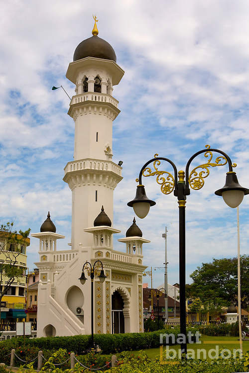 The minaret of the Kapitang Keling Mosque at Chulia St., George Town, Penang.