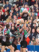 2005/06 National League One, NEC Harlequins vs Exeter, Twickenham Stoop, Twickenham, ENGLAND: Quins Jim Evans collect the line out ball, un challenged.   22.10.2005   © Peter Spurrier/Intersport Images - email images@intersport-images..   [Mandatory Credit, Peter Spurier/ Intersport Images].