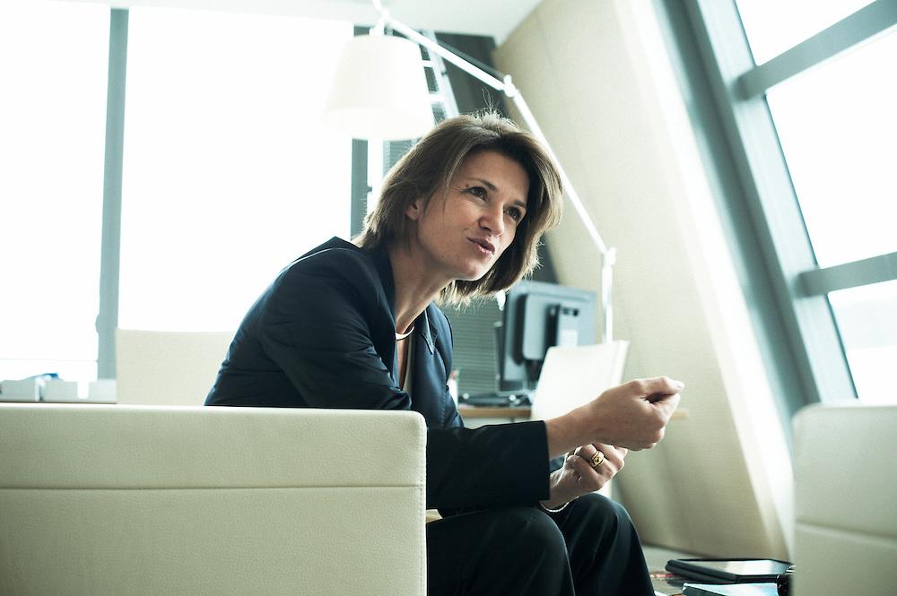 PARIS LA DEFENSE, FRANCE. OCTOBER 5, 2011. GDF SUEZ's CEO Isabelle Kocher in her office. Photo: Antoine Doyen