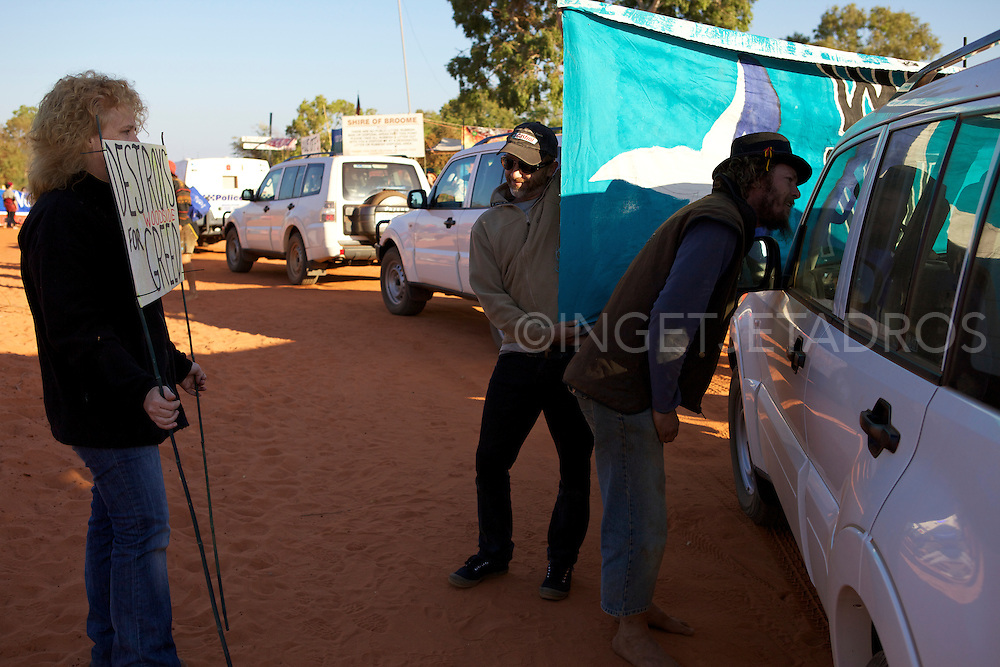 100th day of No Gas Protest in Broome..WA 2011 2011.©Ingetje Tadros..