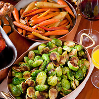 New York, NY  Chef Tom Colicchio prepares a Thanksgiving meal, including Brussels Sprouts, at his restaurant Kraft.